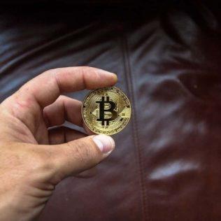 Wirtualna waluta – Co to jest? Jak działa i jak ją wykorzystać?